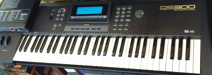 Yamaha QS-300 - The world of Aspergers, synths and retro